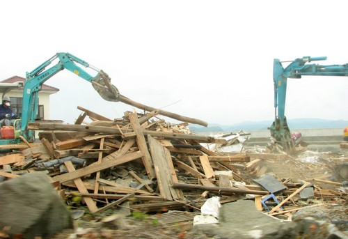 http://shylist.com/shylist_blogs/earthquake_pictures/assets_c/2011/06/IMG_2032-c0601-thumb-500x343-52.jpg